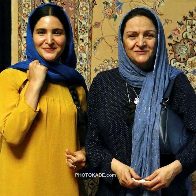 عکس نورا هاشمی در کنار مادرش گلاب آدینه