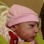 شایعه نوزاد با نوشته یاعلی روی صورتش