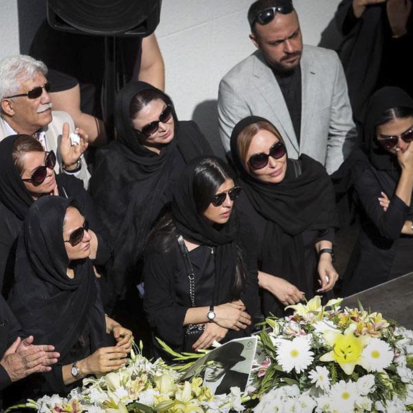 مراسم تشییع ناصر ملک مطیعی + حاشیه ها