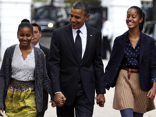 انتشار عکس لخت اوباما و دخترانش,لو رفتن عکس های لخت باراک اوباما و دخترانش,عکس لخت دختران اوباما رییس جمهور آمریکا,عکس لخت اوباما توسط زنش میشل منتشر شد