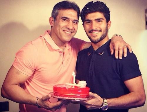 عکس احمد عابدزاده و پسرش امیر