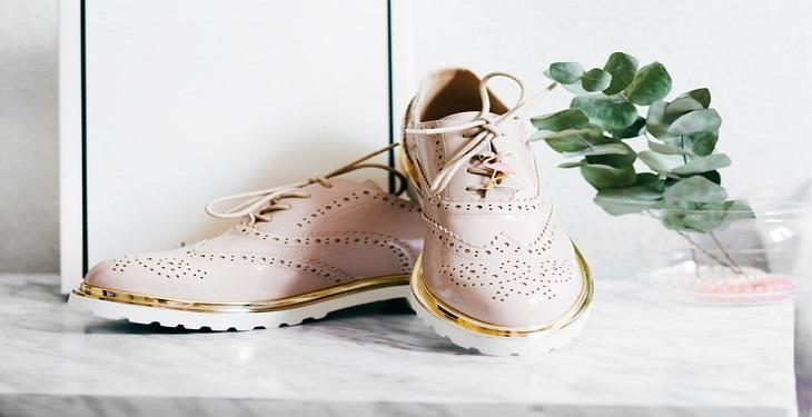 کفش زنانه صورتی مدل مردانه