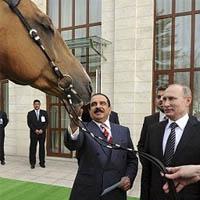 هدیه اسب پوتین به پادشاه بحرین با عکس