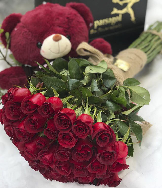 عکس دسته گل طبیعی رز عاشقانه