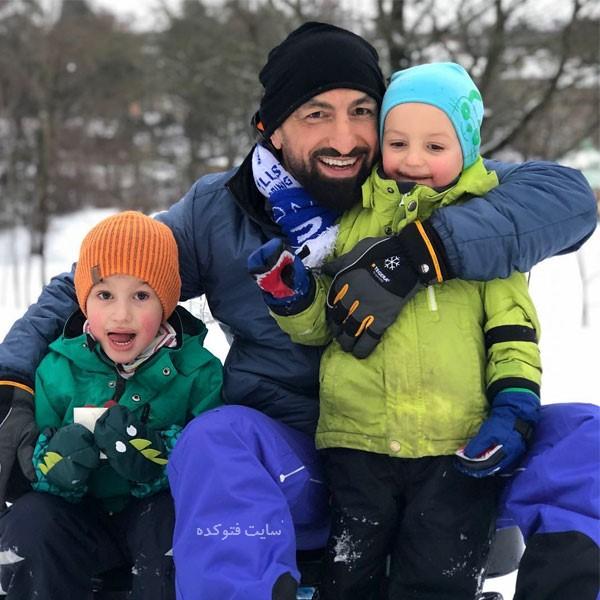 عکس های رضا مددی ورزشکار و پسرانش