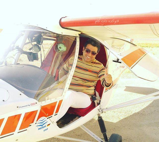 عکس رضا رشیدپور در حال خلبانی