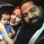 بیوگرافی رضا صادقی و همسرش + دخترش تیارا و علت فلج شدن