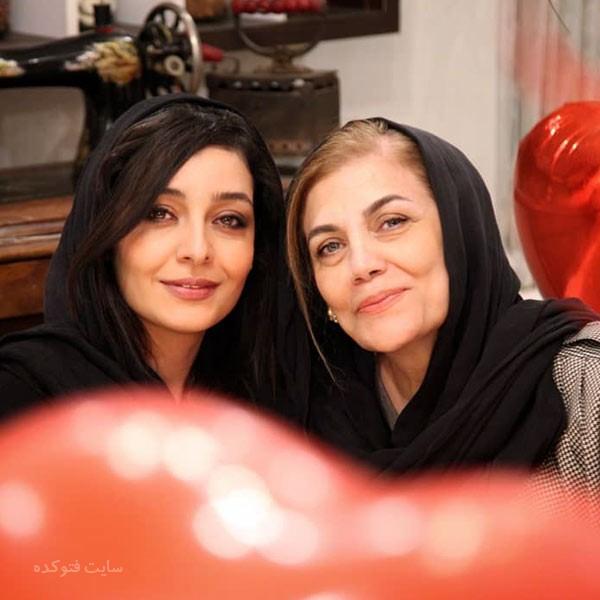 عکس ساره بیات بازیگر و مادرش با بیوگرافی