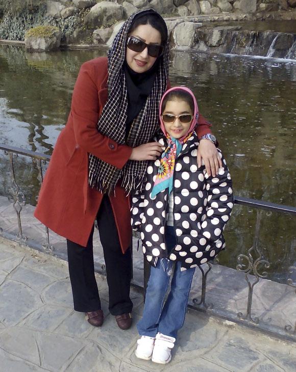 عکس سارینا بابایی و مادرش + بیوگرافی کامل