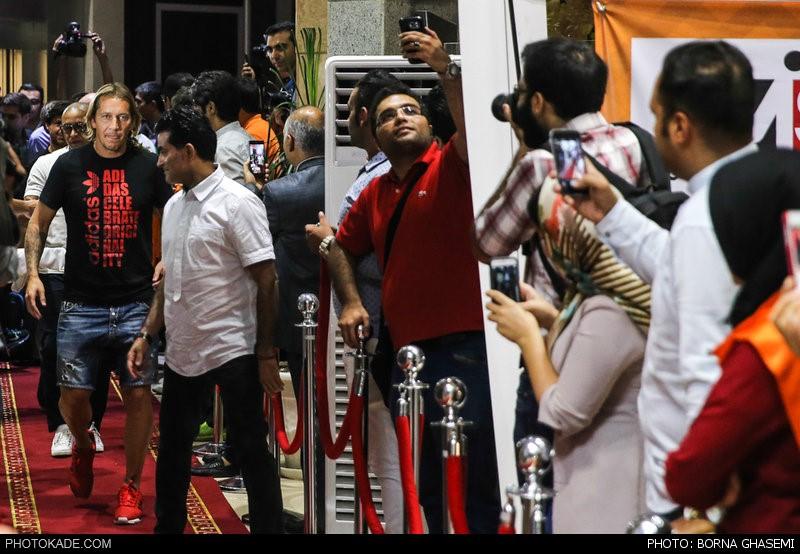 عکس های ورود روبرتو کارلوس و سالگادو به ایران,عکس روبرتو کارلوس در تهران,روبرتو کارلوس به ایران آمد,عمسهای روبرتو کارلوس و میشل ساگادو در تهران,ستارگان جهان