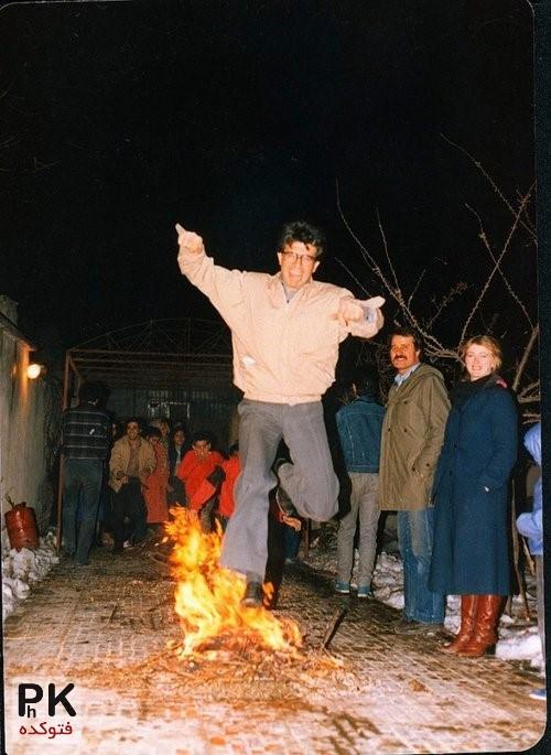 چهارشبنه سوری محمدرضا شجریان و اکبر عبدی,عکس اکبر عبدی و محمدرضا شجریان در مراسم چهارشبنه سوری,همایون شجریان و پدرش به همراه اکبر عبدی در چهارشنبه سوری