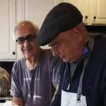 محمدرضا شجریان در حال آشپزی