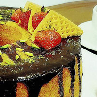 طرز تهیه کیک وانیلی با رویه گاناش + عکس و دستور پخت
