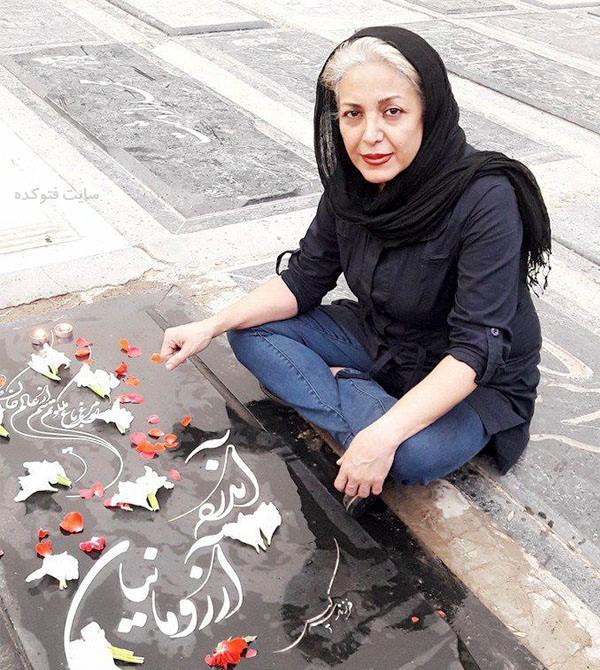 عکس های شراره دولت آبادی در کنار قبر همسرش