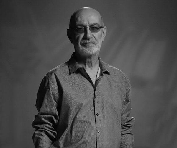 داستان زندگی Siavash Ghomayshi