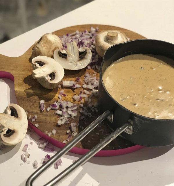 طرز تهیه سوپ خامه ای با قارچ در سایت فتوکده در 15 دقیقه