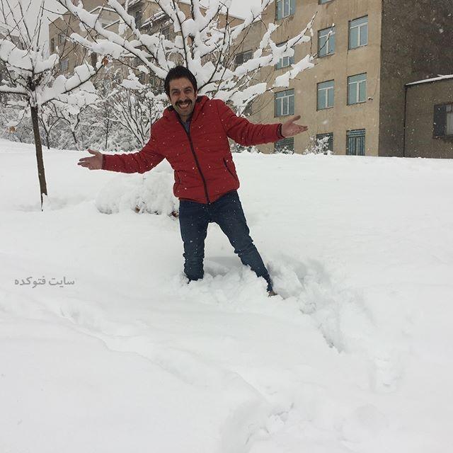 عکس عباس جمشیدی فر در برف 96