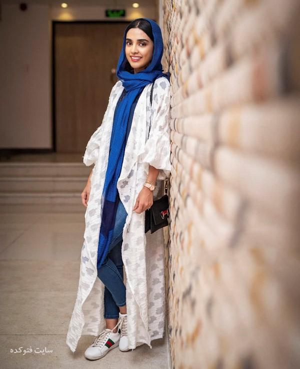 مانتو بازیگران زن شهریور 2018 الهه حصاری