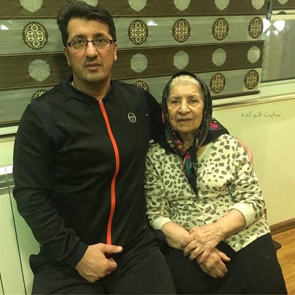 محمد تقوی مربی فوتبال و مادرش + بیوگرافی