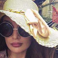 بیوگرافی و عکس های طلا گلزار مدل ایرانی در خارج + زندگی شخصی