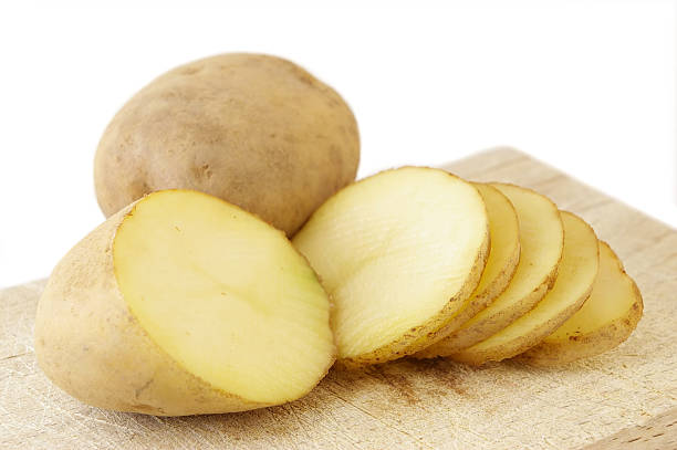 رفع ترک پوستی پا با سیب زمینی