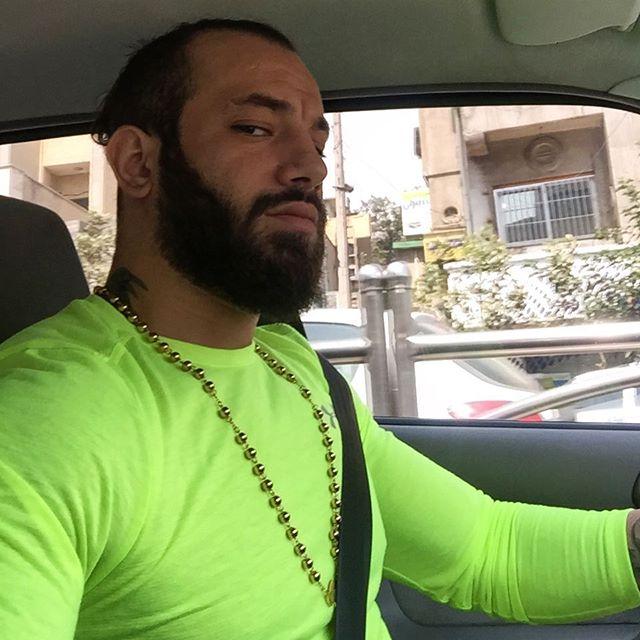 دستگیری امیر تتلو به علت تشويق نمودن جوانان به فساد و فحشا