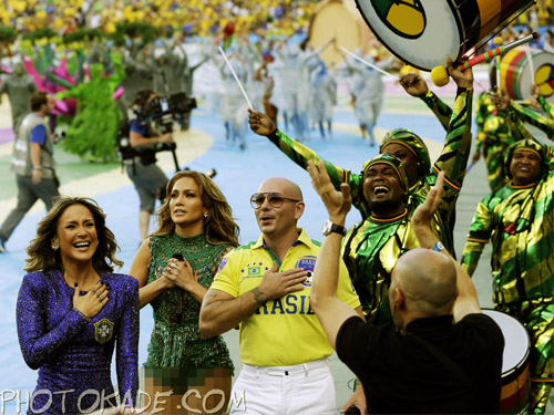 عکس های افتتاحیه جام جهانی 2014 برزیل,عکس های افتتاحیه جام جهانی 2014 برزیل از جینفر لوپز و کلودیا لیته و پیت بول