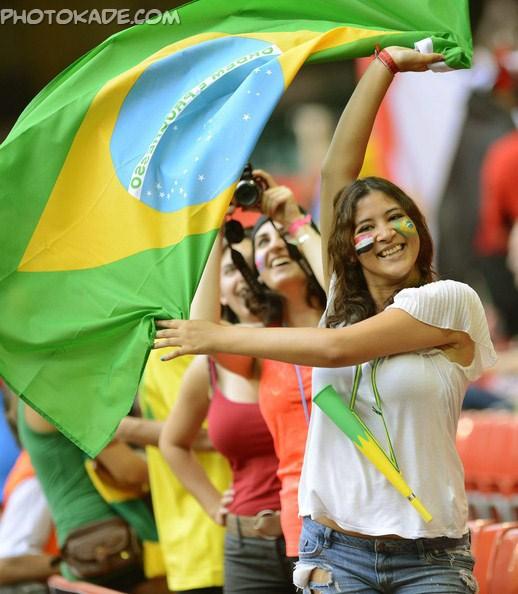 عکس تماشاگران زن جام جهانی 2014,عکس دختر تماشاگر جام جهانی 2014,عکس های خفن جام جهانی