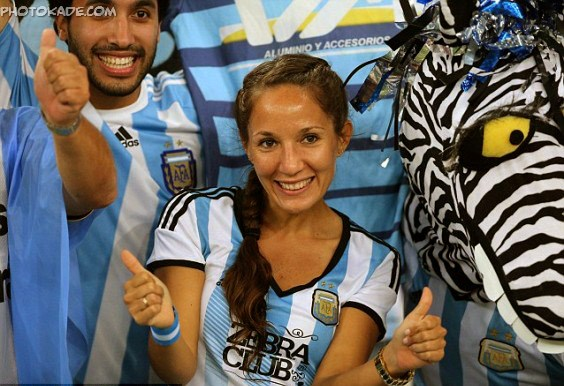 عکس های تماشاگران در ورزشگاه های جام جهانی 2014,تماشاگر دختر آرژانتینی 2014
