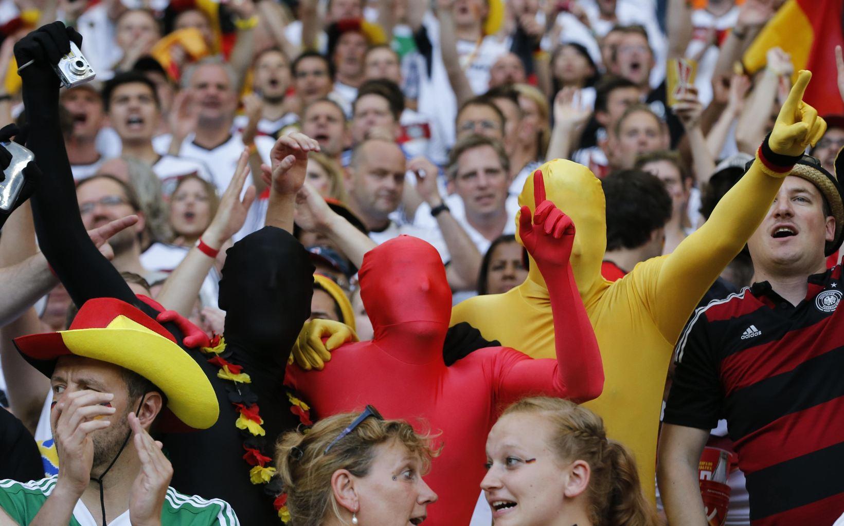 عکس های فانتزی طرفدارن جام جهانی 2014<عکس تماشاگران جام جهانی 2014