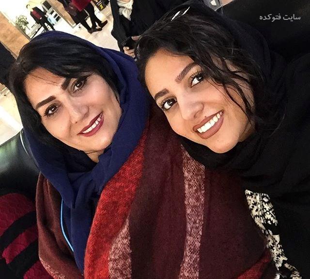 عکس یلدا عباسی خواننده و مادرش + زندگینامه شخصی