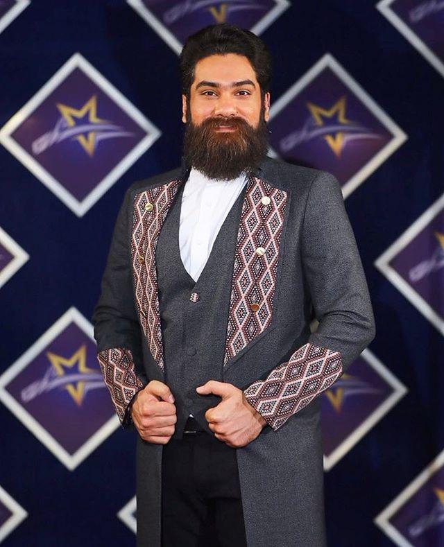 عکس و بیوگرافی علی زند وکیلی خواننده و آهنگساز