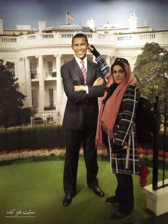 عکس پیچاندن گوش اوباما توسط زن ایرانی,زن شجاع ایرانی کنار باراک اوباما,کشیدن گوش اوباما توسط زن ایرانی,زن ایرانی در موزه مادام توسو کنار اوباما,اوباما و زن,عکس طنز جالب از زن ایرانی که گوش اوباما رو گرفت و پیچاند,عکس خنده دار زن ایرانی کنار اوباما جلوی کاخ سفید,کشیدن گوش اوباما رییس جمهور آمریکا توسط شیر زن ایرانی,تصویر شیر زن ایرانی کنار مجسمه اوباما با ژست خاصی