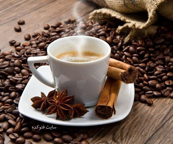 قهوه دارچین دار از نوشیدنی گرم برای زمستان